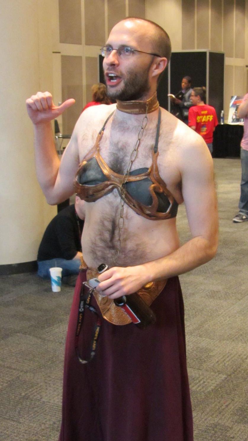 gender-bending-metal-bikini-leia-nycc-20
